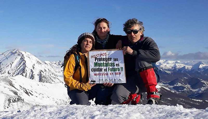 Celebracion Dia de las Montañas en Pico Remelende, Asturies-Llion, diciembre 2019